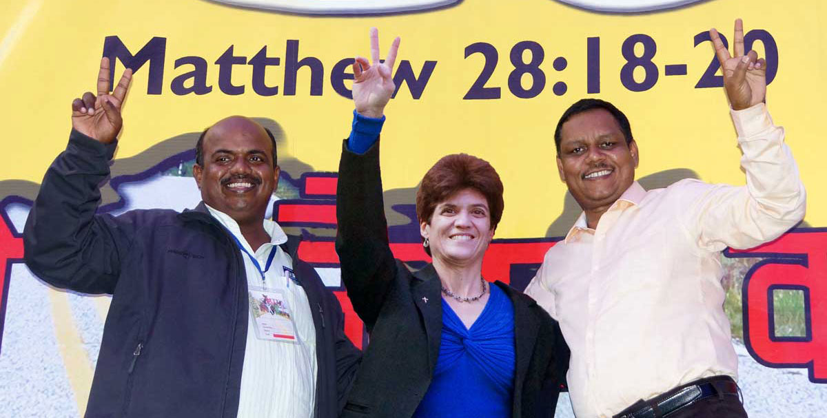 Leanna with her native leaders who spearhead the mighty work of TellAsia Ministries in India