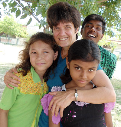 Leanna in India with some of her children's home kids