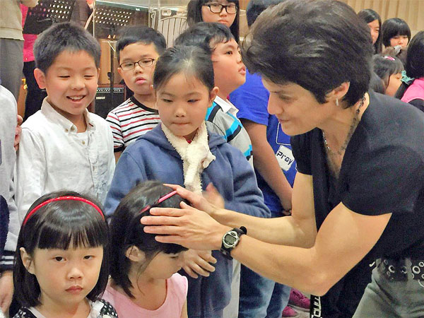 Leanna ministering to children in Korea